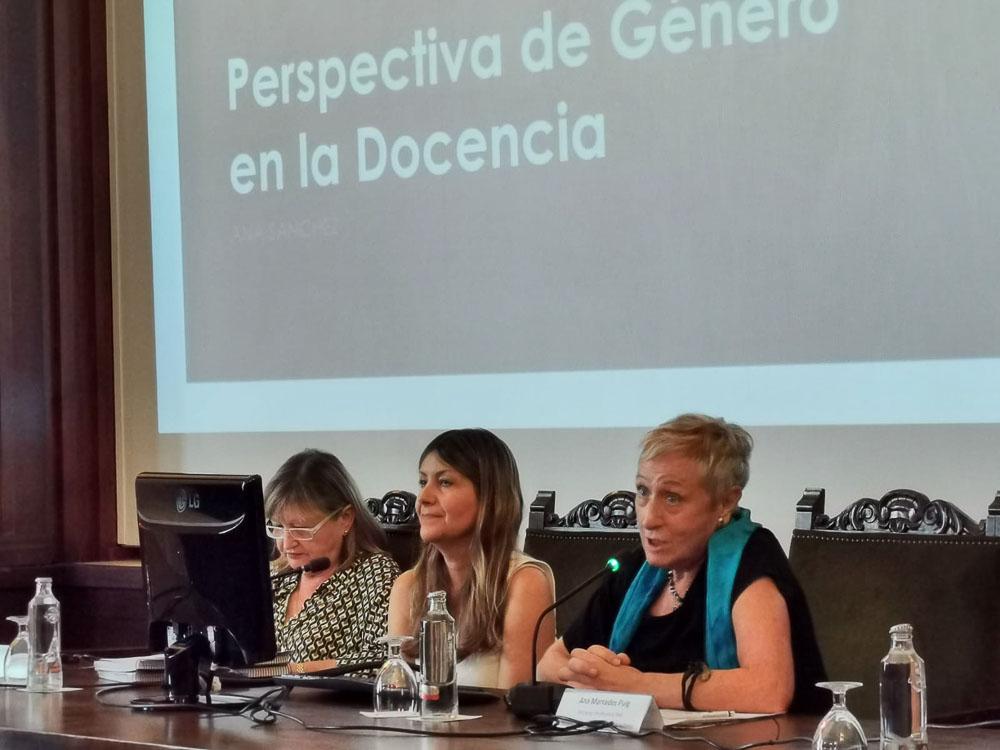 La Universitat de València continúa la apuesta por la transversalidad de la perspectiva de género en la enseñanza y la investigación.