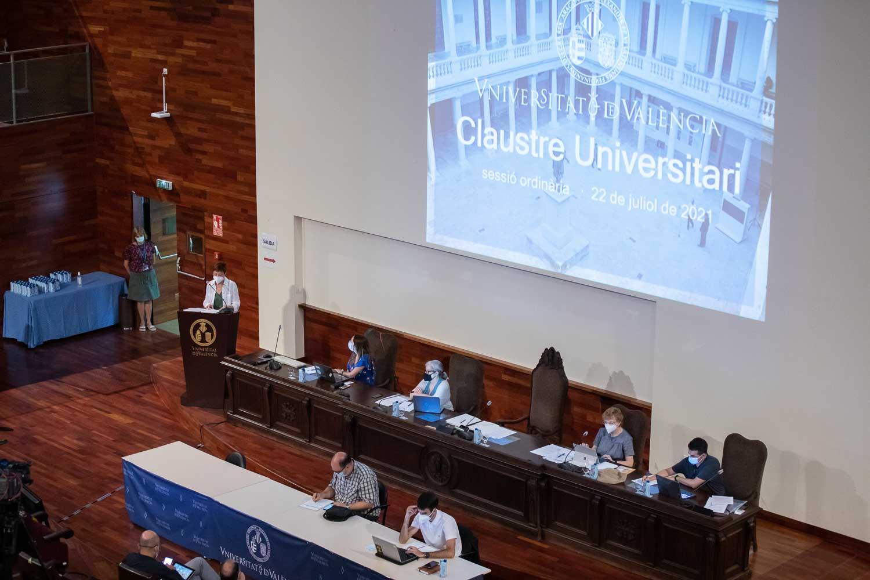 El Claustre aprova la gestió de 2020 i les línies pressupostàries de la Universitat per a 2022