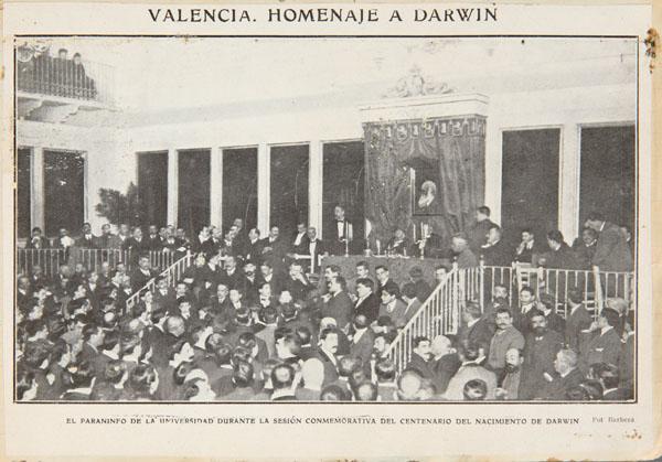 El Paraninfo de la Universidad durante la sesión conmemorativa del centenario del nacimiento de Darwin