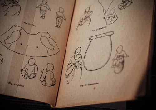 """Libro de Luis Valencia """"Higiene de la primera infancia"""", 1900"""