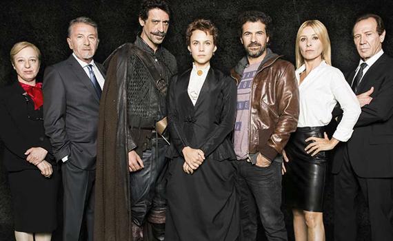 Águila roja  y El ministerio del tiempo son dos ejemplos de series españolas  transmedia