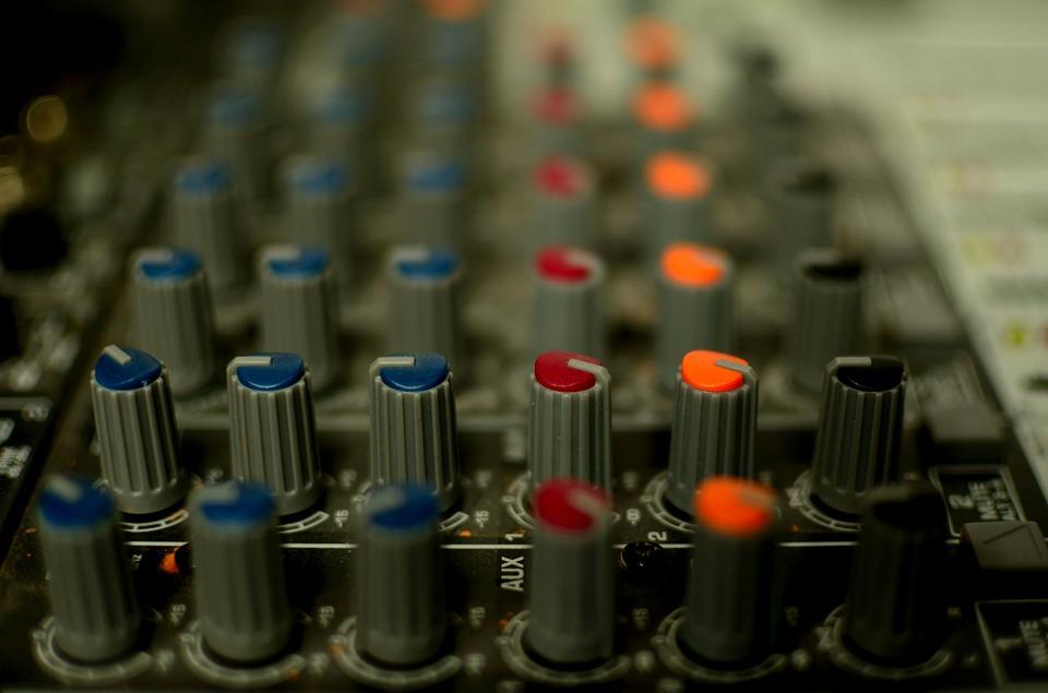 En la radio, el audio ya no compite con el vídeo, lo integra