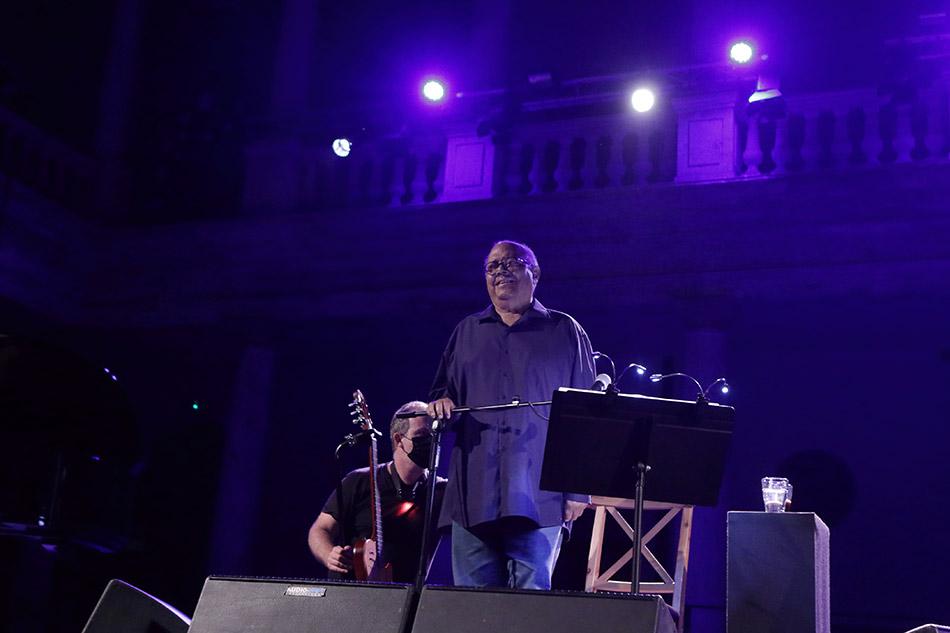 Pablo Milanés presenta la seua gira 'Días de luz' a La Nau de la Universitat - imatge 0