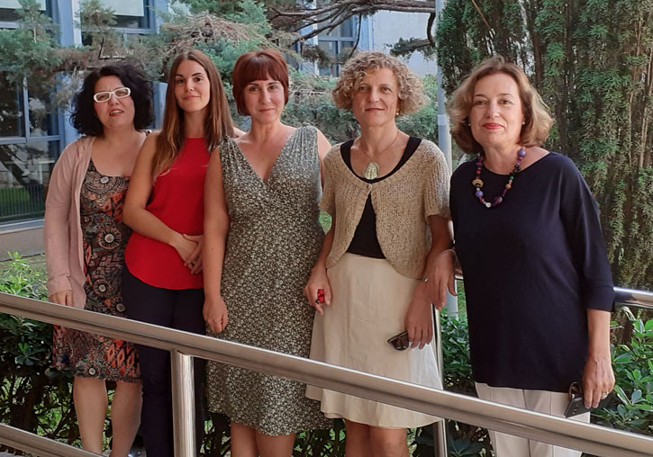 (From left to right): Inma Aleixos, Laura Guinot, Ester García, Mònica Bolufer and Isabel Burdiel, staff of the University of Valencia that forms the CIRGEN project.