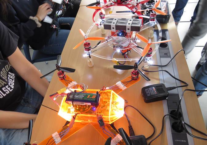 Els drons omplin la Universitat de València en la IV Fira Aèria (18/05/2018)