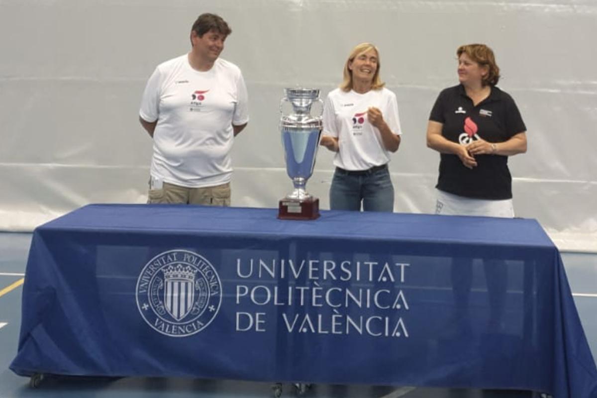 La En De Trofeo Upv Interuniversitario Queda Manos Se El tdhrsQC