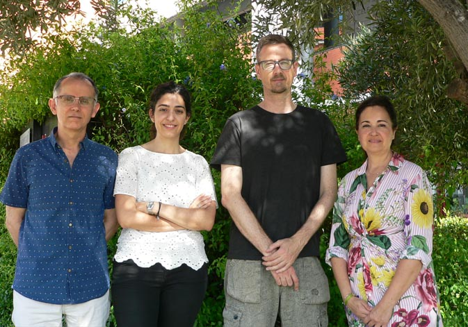 (From left to right): Clodoaldo Roldán (ICMUV), Cristina Vilanova (Darwin Bioprospecting), Manuel Porcar (I2SysBio) and Sonia Murcia (ICMUV).