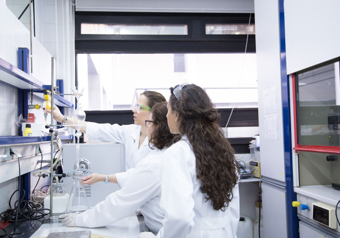 Female researchers of the University of Valencia.