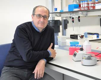 El profesor Andrés Moya.