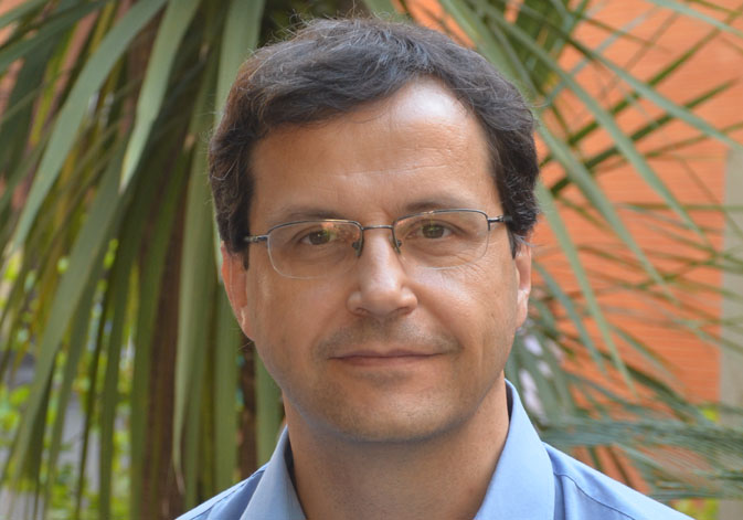 Rubén Artero, professor of Genetics at the University of Valencia and researcher at INCLIVA.