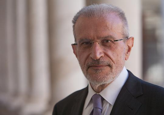 Lliurament Medalla de la Universitat al Professor Esteban Morcillo